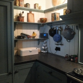 handgemaakte keuken met accessoires